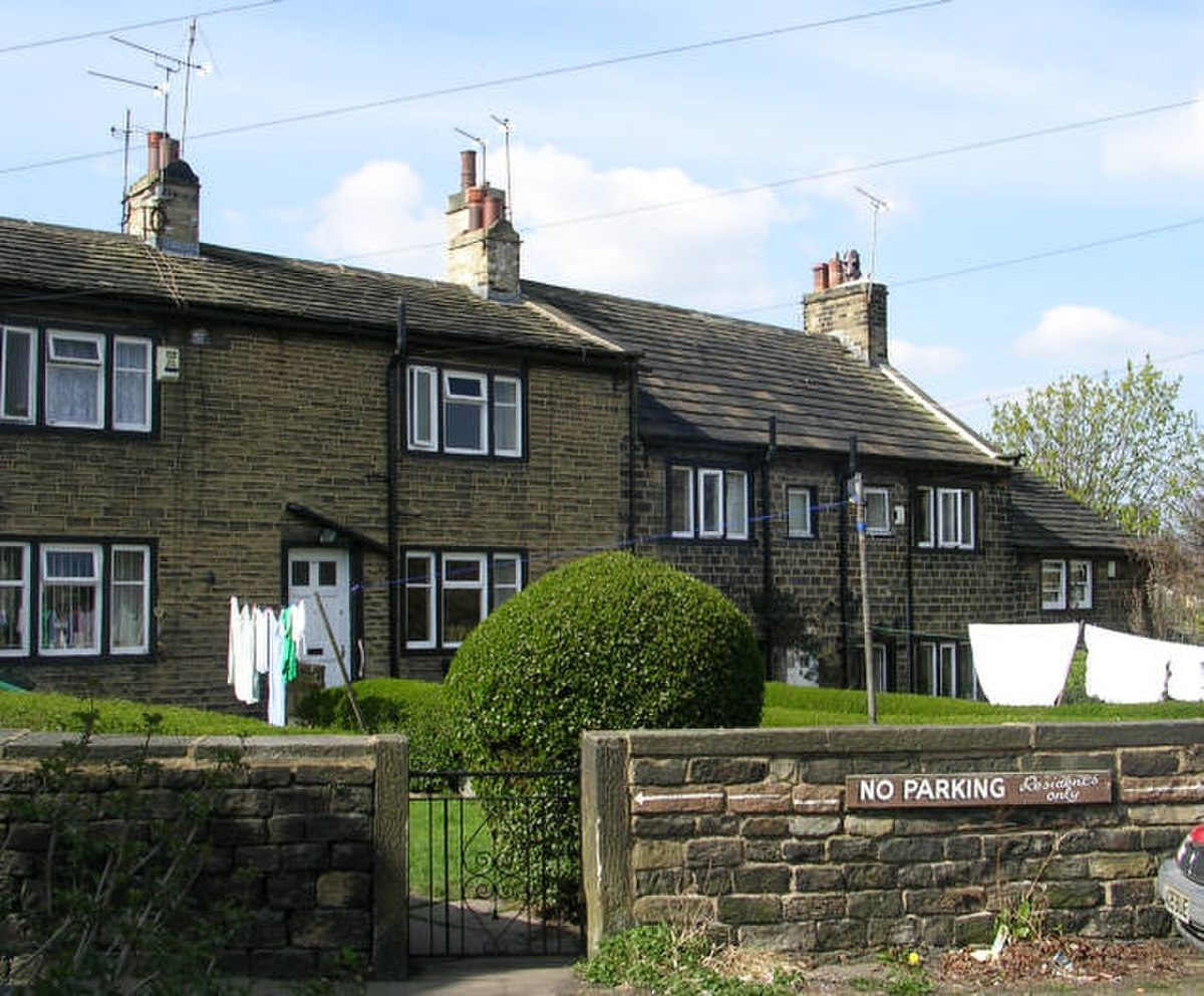 Houses - Pullan Street - geograph.org.uk - 392496.jpg