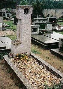 Hrabal tomb.jpg