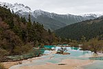 Huanglong Sichuan China Multicolored-ponds-02.jpg