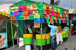 English: Ice cream vendor in Xochimilco, Mexic...