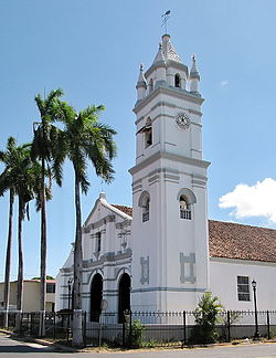 Iglesia de La Villa de Los Santos.jpg