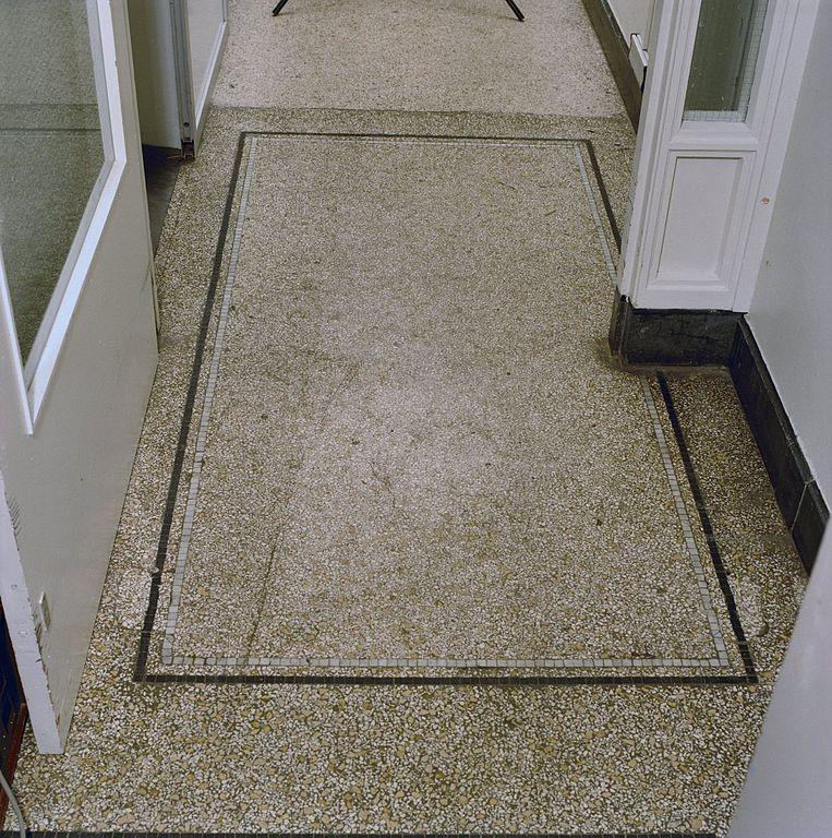 File:Interieur, terrazzo vloer in kelder - Groningen - 20284924 ...