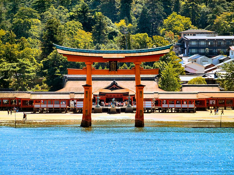 File:Itsukushima shrine 01.jpg