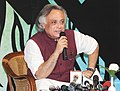 Jairam Ramesh briefing the media to introduce Youth Tiger Ambassadors, who will represent India at International Youth Tiger Summit in Vladivostok, Russia, in New Delhi on November 12, 2010.jpg