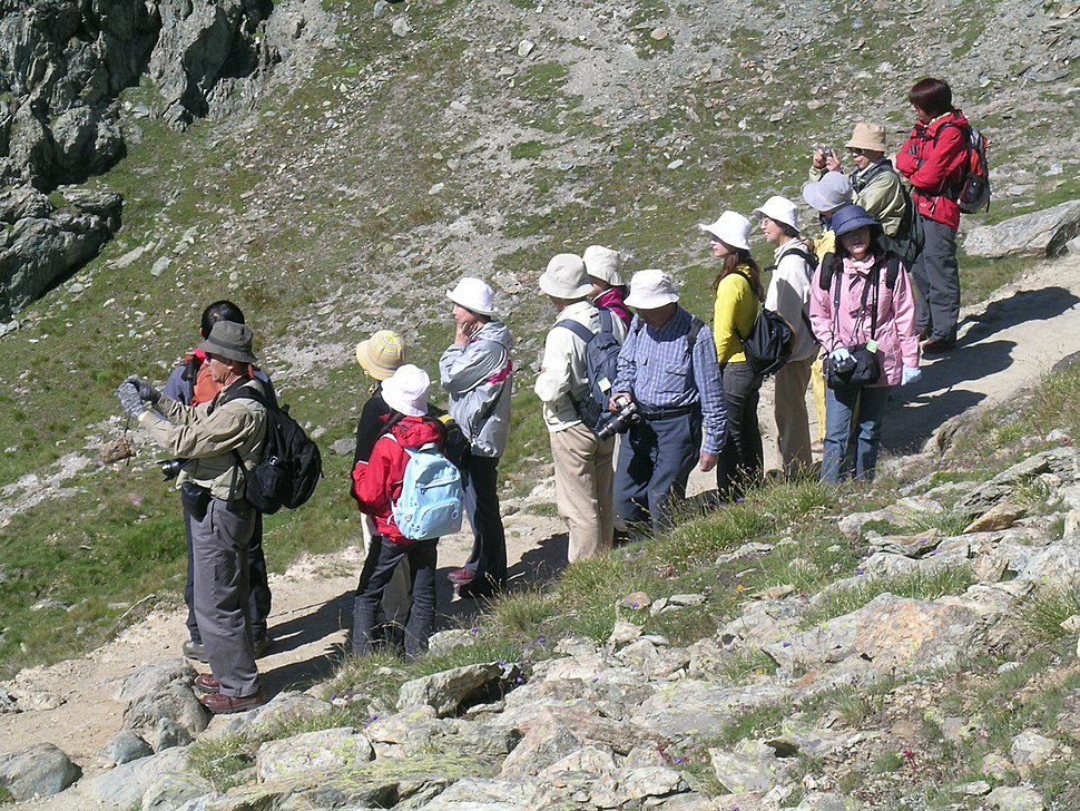 Japanese tourists at Riffelsee