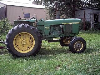 John Deere 4020 Tractor model