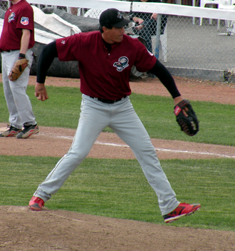 Jose Canseco - Canseco pitching for the Yuma Scorpions
