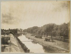 KITLV 12563 - Kassian Céphas - The canal next to Fort Vredeburg in Yogyakarta - Around 1896.tif