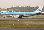 KLM Boeing 747-400 PH-BFI (10205056596).jpg