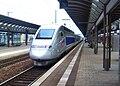 Kaiserslauterner Hauptbahnhof- auf Bahnsteig zu Gleis 3- Richtung Saarbrücken (TGV 384 027 (Tz 4414)) 22.6.2008.jpg