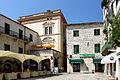 Kamienice na Placu Broni w Kotorze.jpg