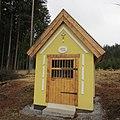 Kaplička u samoty U Švejdů severně od zemědělského statku Peklo (Q67180813) 02.jpg
