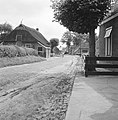 Karakteristieke landschappen, straten, dorpsstraat, Bestanddeelnr 164-0254.jpg