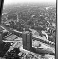 Kelet-Berlin, kilátás a TV toronyból, előtérben a Rochstrsse 7. toronyház. Fortepan 60001.jpg