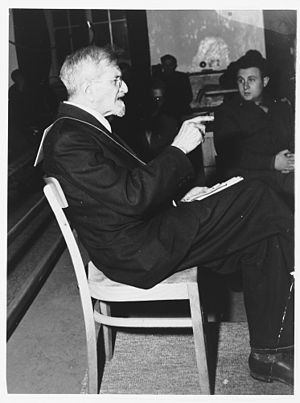 Claus Schilling - Claus Schilling sitting before a tribunal in November 1945