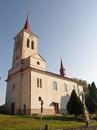 Kostel svateho Michala v Roztani.jpg