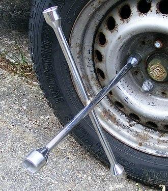 Socket wrench - Image: Kreuzschlüssel