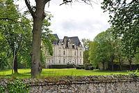 La Fontaine-Saint-Martin - Chateau du Maurier 1 (2012).JPG