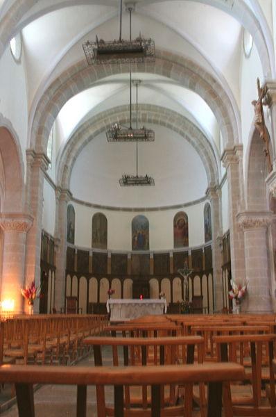 La Salvetat-sur-Agout (Hérault) - nef de l'église Saint-Étienne.