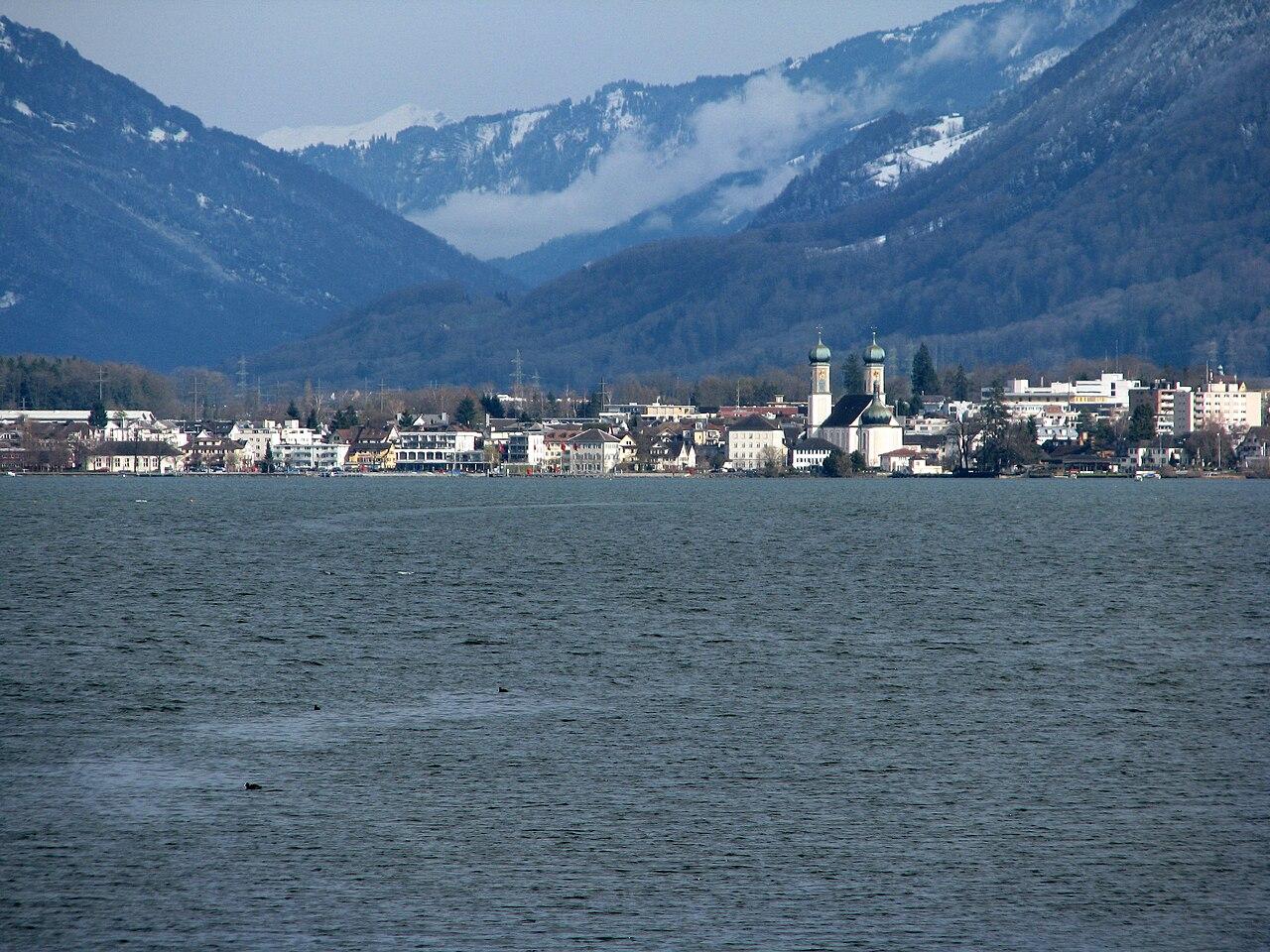 File:Lachen - Obersee - Hurden IMG 5214.JPG - Wikimedia Commons