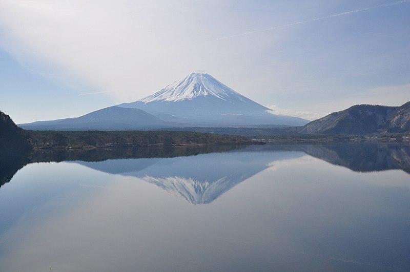 File:Lake Motosu04.jpg