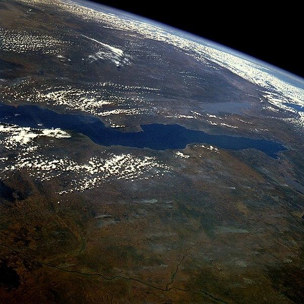 Ficheiro:Lake tanganyika.jpg