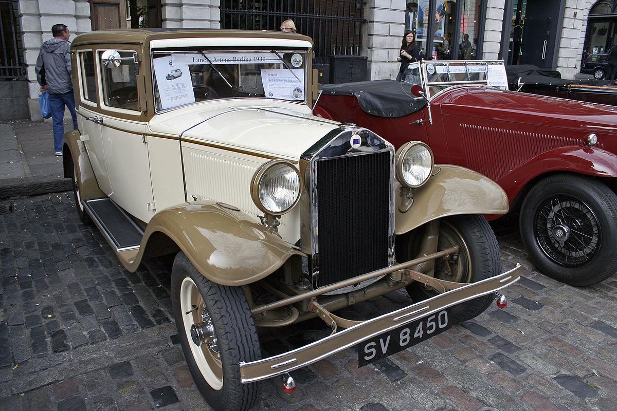 https://upload.wikimedia.org/wikipedia/commons/thumb/0/0c/Lancia_Artena_Berlina_1930.jpg/1200px-Lancia_Artena_Berlina_1930.jpg
