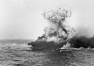 Gro?e Explosion an Bord der USS Lexington (CV-2), 8. Mai 1942 (80-G-16651).jpg