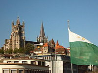 Lausanne cathedral from gd pont.jpg