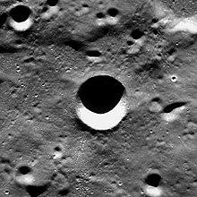 拉韦朗陨石坑