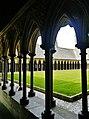 Le Mont-Saint-Michel Abbaye de Mont-Saint-Michel Cloître 12.jpg