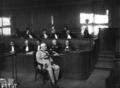 Le général Fournier au Conseil de Guerre, derrière lui, le Général Legrand et Henri Robert.png