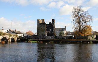 Leighlinbridge - The Black Castle on the River Barrow in Leighlinbridge
