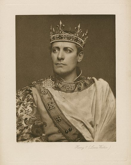 A photograph of Lewis Waller as Henry V, from a 1900 performance of the play Lewis Waller as Henry V.jpg