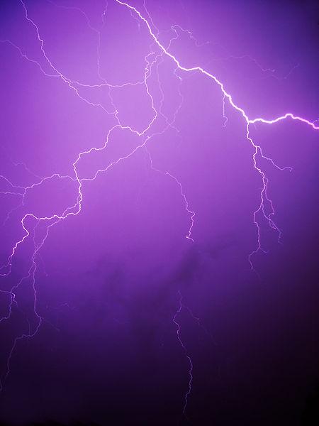 Orage, Ô Désespoir! dans Hypertension Artérielle Pulmonaire 450px-Lightning_02890-200208