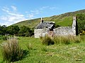 Lochranza's ruined cottage. - panoramio.jpg