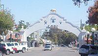 Lodi Arch 2.jpg