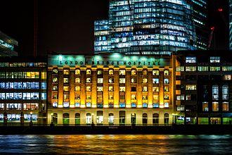 London Bridge Hospital - River view at night