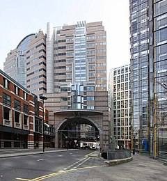 London Wall (geograph 1209044).jpg