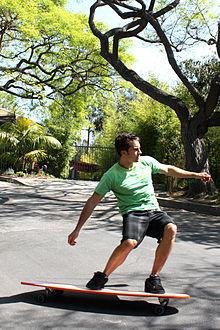 Longboarding - Wikipedia 6eb15a8bc6f