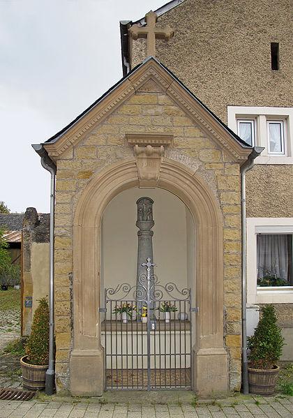 Wayside chapel in Lorentzweiler, Luxembourg, 26 rue St. Laurent