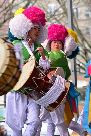 File:Lunar New Year in Seattle 2020 - Oolleemm troupe ...