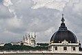 Lyon, an der Rhone, hinten Notre-Dame de Fourvière (19.) (41794492945).jpg