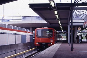 M100 at Kontula metro station in 1987.jpg