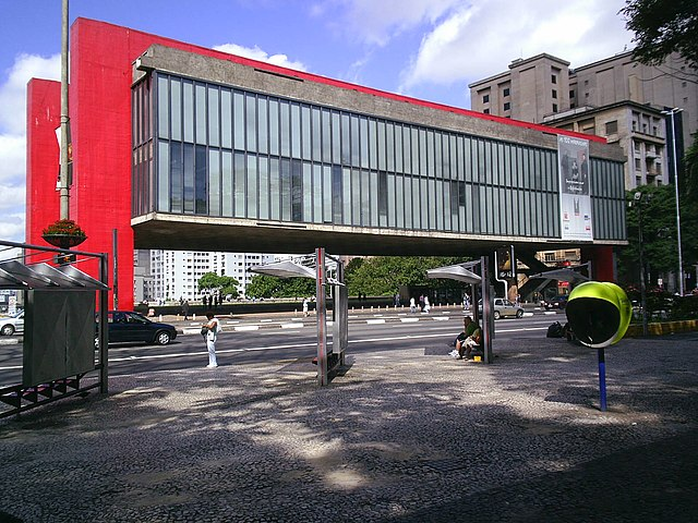 Sao Paulo Museum of Art (MASP) by https://commons.wikimedia.org/wiki/User:Gaf.arq