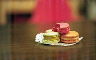 Doily - Macarons on a paper doily