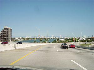 MacArthur Causeway - Image: Macarthurcauseway