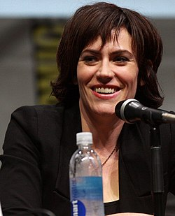 Maggie Siff 2013.
