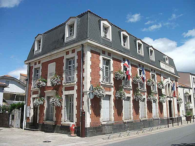 Town hall of Cébazat, Puy-de-Dôme, Auvergne-Rhône-Alpes, France. [14786]