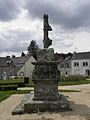 Malguénac (56) Croix de cimetière 04.JPG